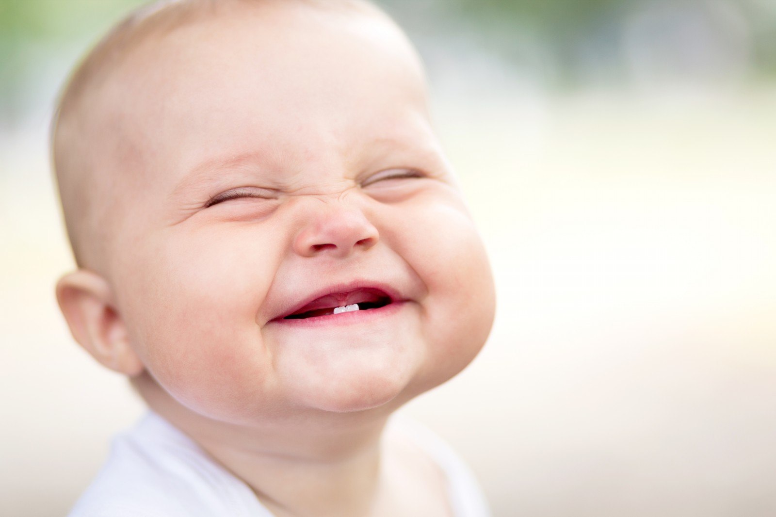 Cute Funny Smiling Baby Face Wallpaper