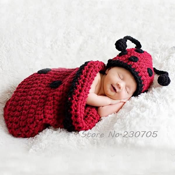 Cute Smiling Baby Sleeping Wallpaper