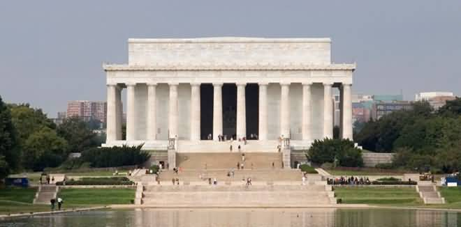 Front View Of The Lincoln Memorial With River