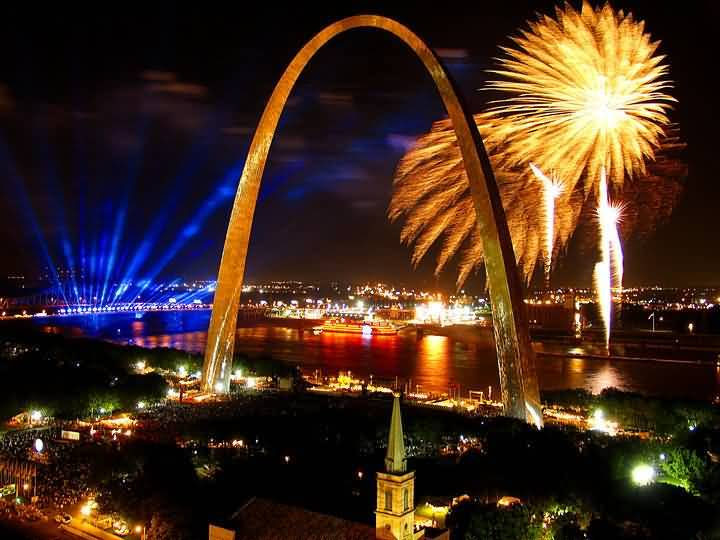 Best Wallpaper Of Fireworks And The Gateway Arch In St Louis At Night With Beautiful River