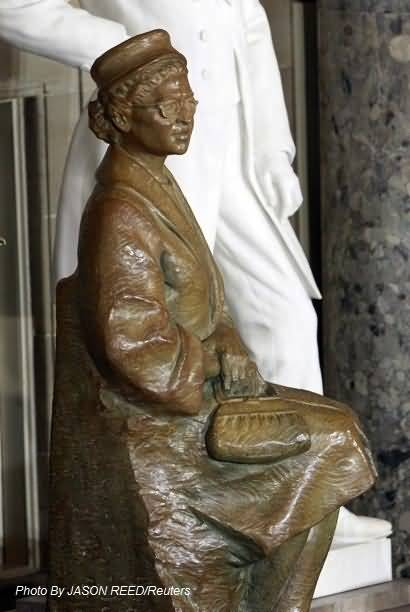Cute Architure Rosa Parks Statue In The United States Capitol Photo