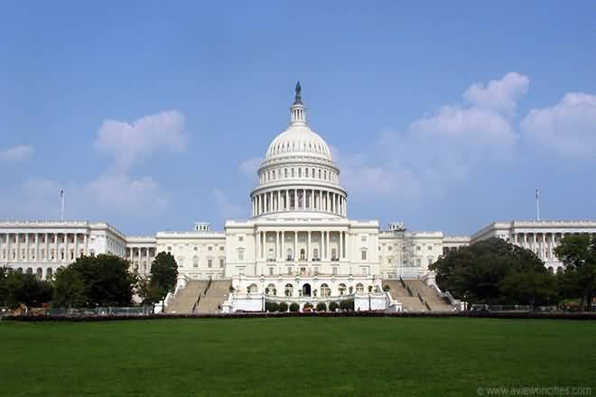 Fantastic Green Garden And Fabulous Front View Of United States Capitol For Desktop Wallpaper