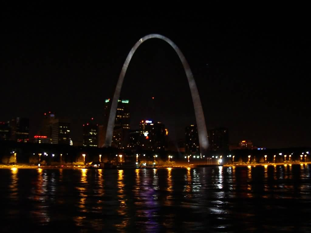 Mind Blowing View Of River And Light Near The Gateway Arch At Night