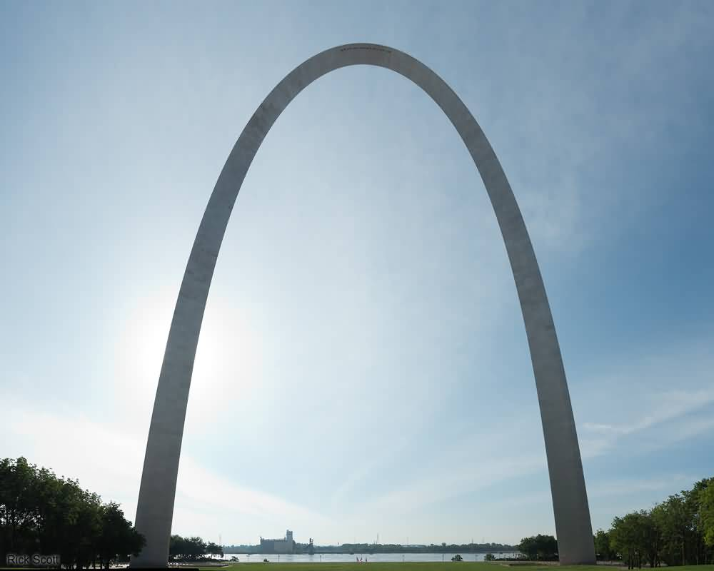 Mind Blowing Wallpaper Of Gateway Arch With Beautiful Background