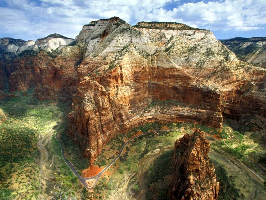 Amazing Angels Landing Zion National Park Utah 4K Wallpaper