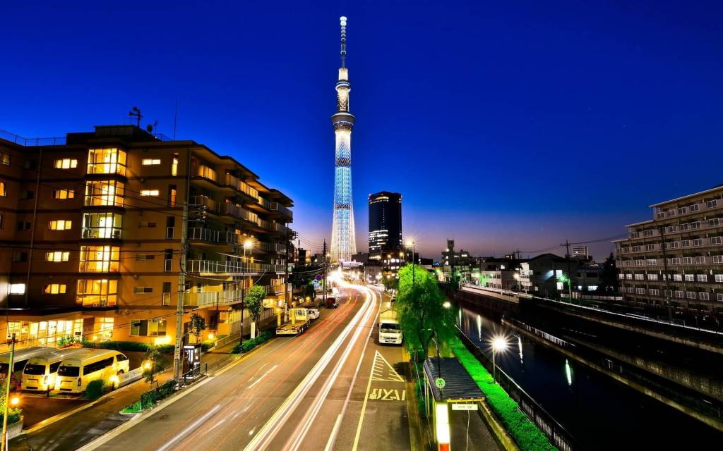 Beautiful Cityscapes At Night Full HD Wallpaper