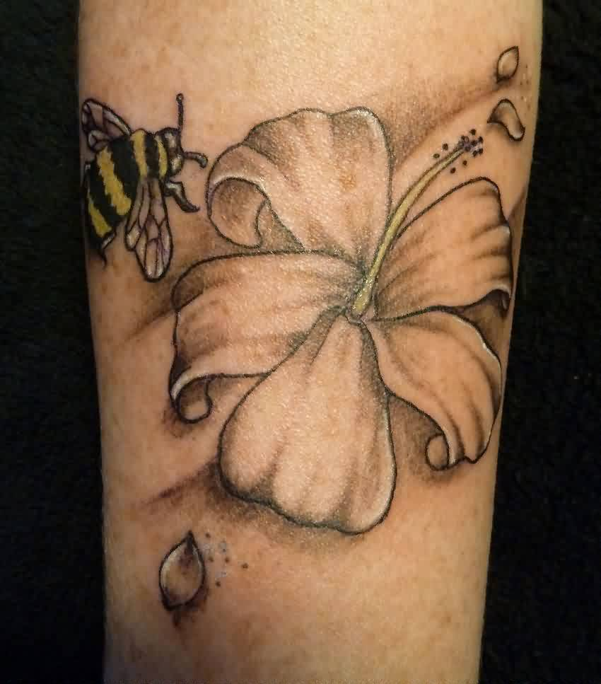 49 trendy bee tattoo designs body art photos picsmine. Black Bedroom Furniture Sets. Home Design Ideas