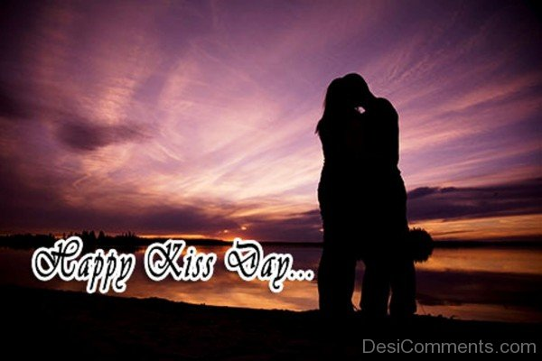 Couple Kiss Day Greeting Image