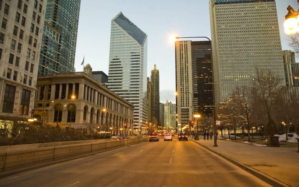 Dashing Chicago Roads Full HD Wallpaper