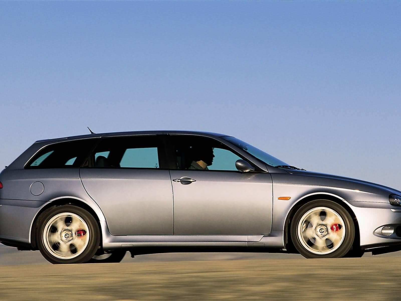 Right side of silver colour Alfa Romeo 156 GTA Car