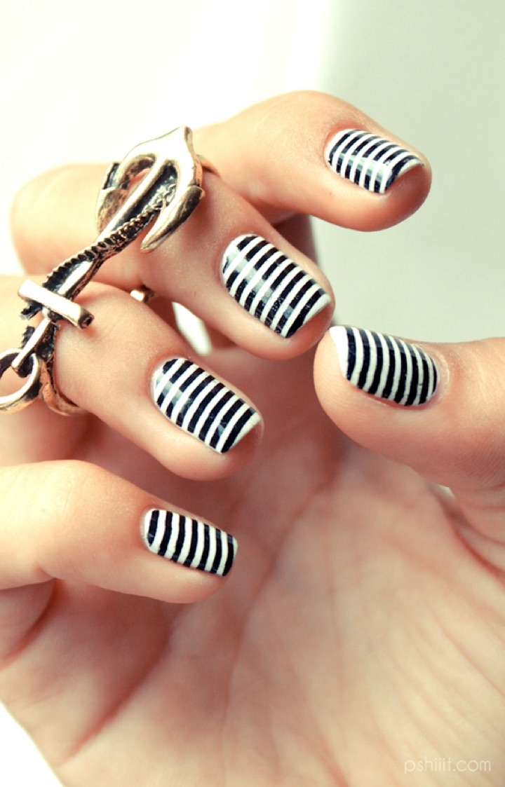Amazing Black And White Nails With Stripes