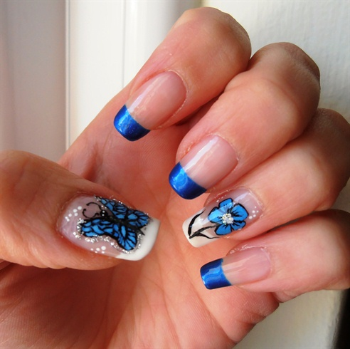 Best Butterfly Nail With Flower Design