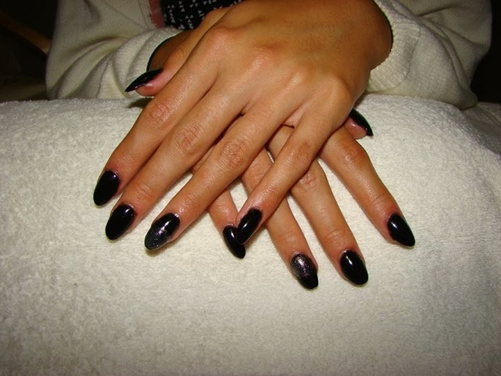 51 Trending Almond Shaped Acrylic Nails Art Design And Styles | Picsmine