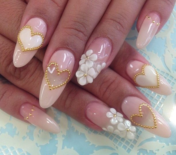 Best Light Pink With Golden Heart And White Flower 3D Nail Art