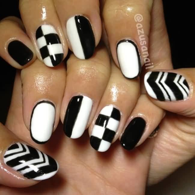 Fabulous Black Nail Art With Chess Design