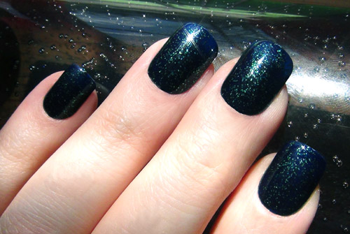 Fabulous Black Nail Art With Full Nail Cover