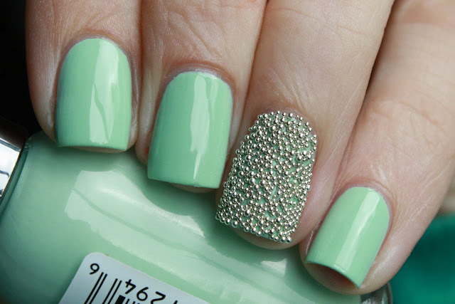Fabulous Green Nail Paint With Beads Accent Nail Design