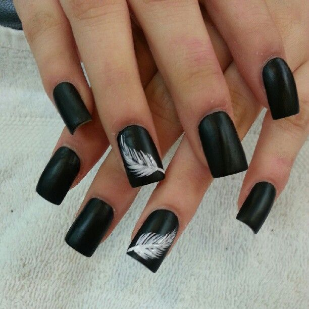 Fabulous White And Black Nail Art With A Feather