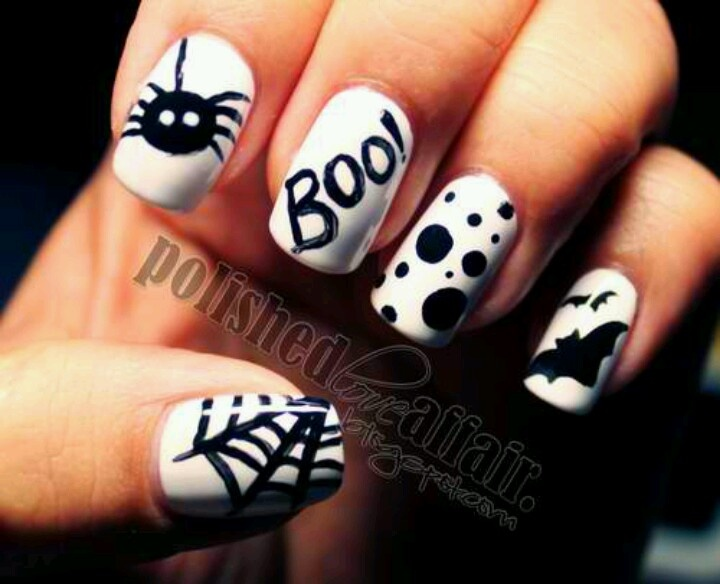 Fantastic Spider And Net Design Black And White Nails