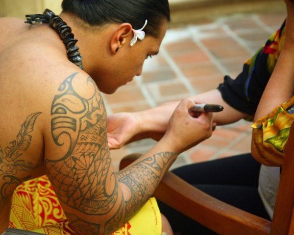 Groovy Hawaiian n Polynesian Tattoo On Sleeve For Girls