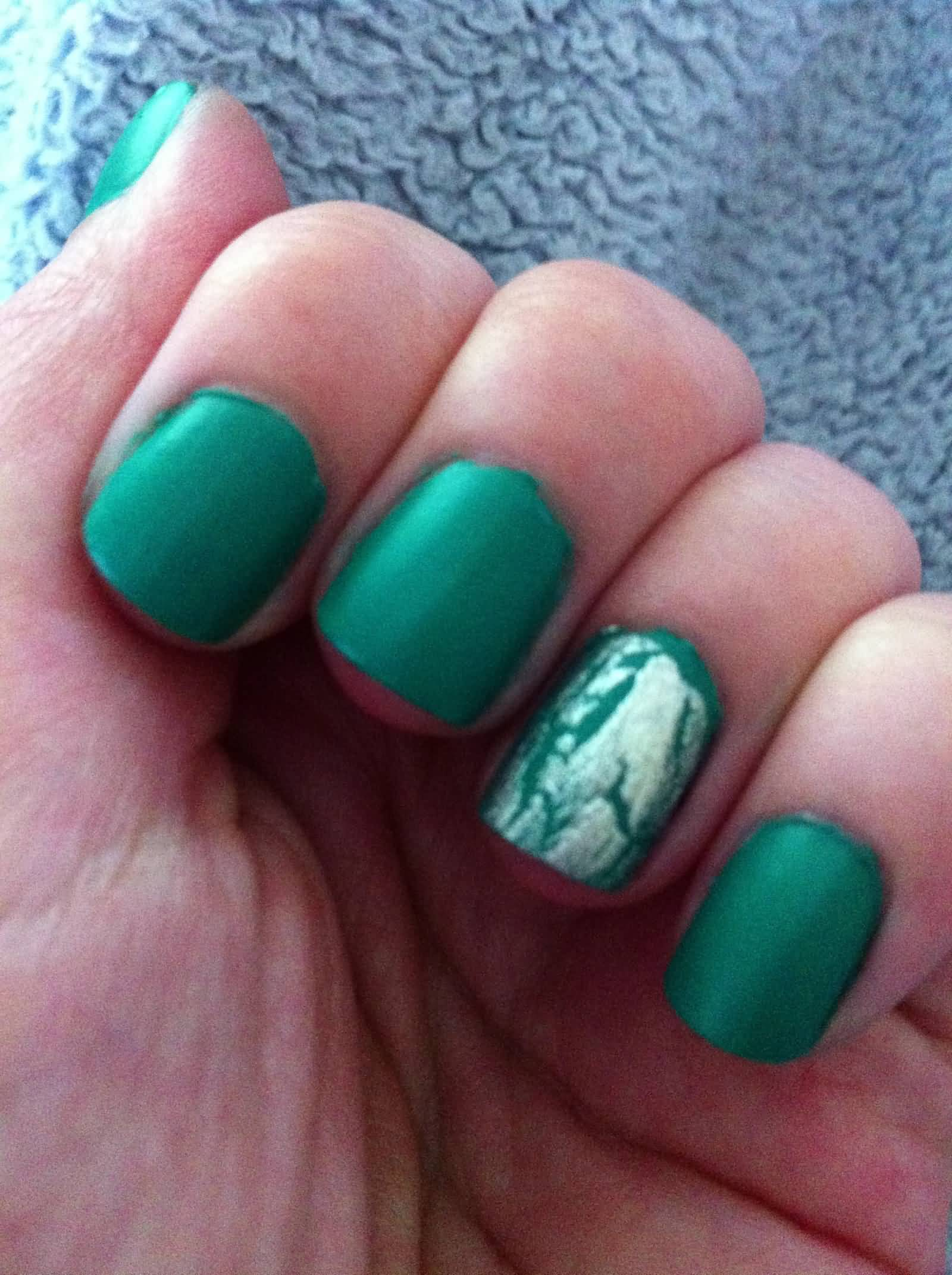 Incredible Green Full Nail Paint Accent Nail Art