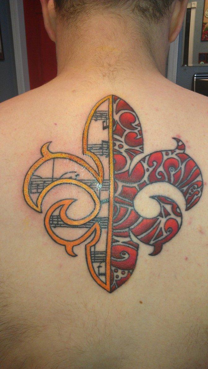 Marvelous Fleur De Lis Tattoo On Upper Back For Boys & Girls