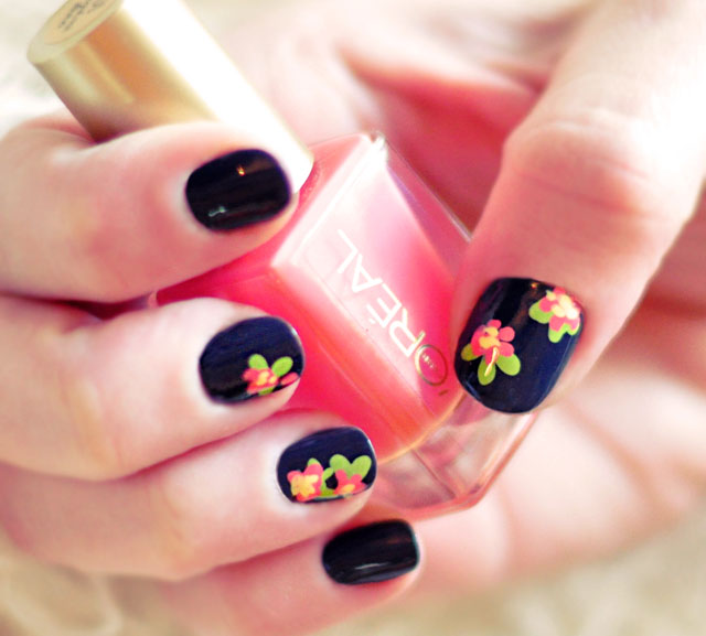 Most Beautiful Purple And Flower Design Accent Nail Design