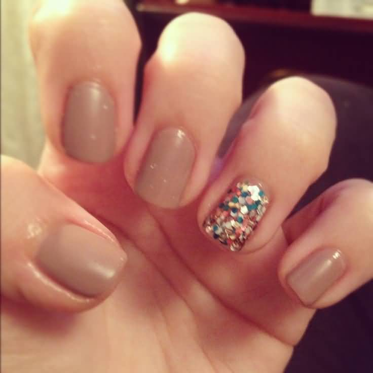 Natural Looking Brown Paint With Sparkle Glitter Accent Nail Art