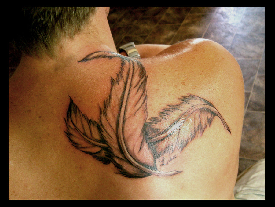 Perfect Feathers Tattoo On Back Of Shoulder For Boys