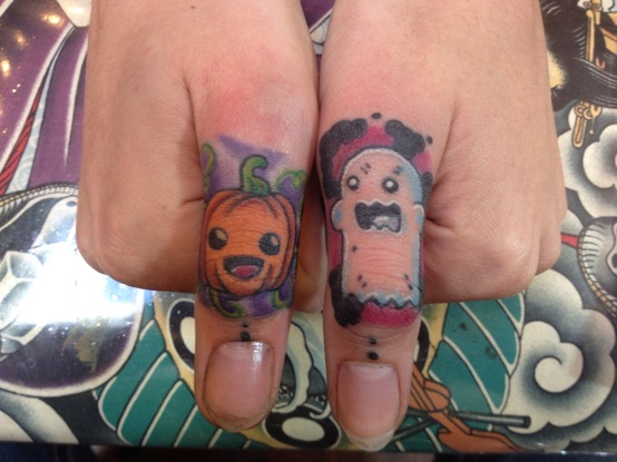 Realistic Halloween Tattoo On Fingers For Boys