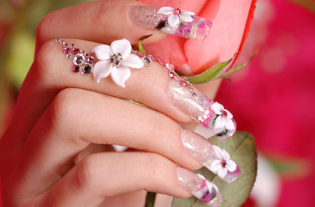 Shining Nail Paint With Flower 3D Nail Art