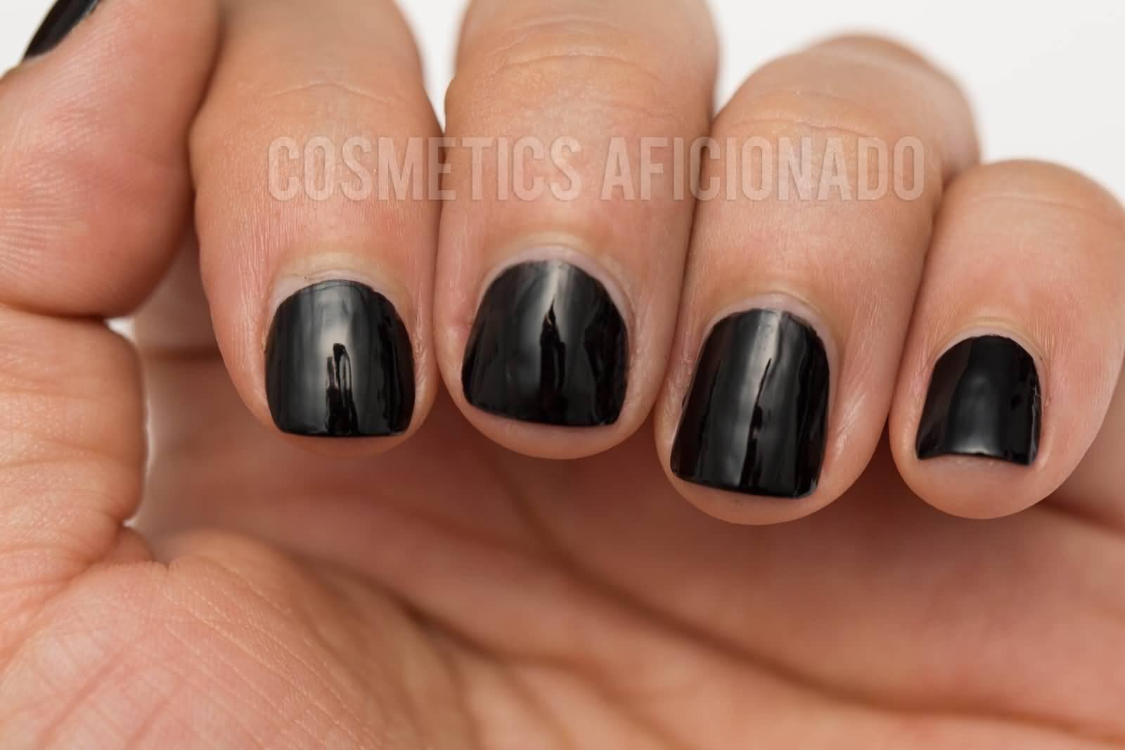 Simple Full black Acrylic Short Nail Design