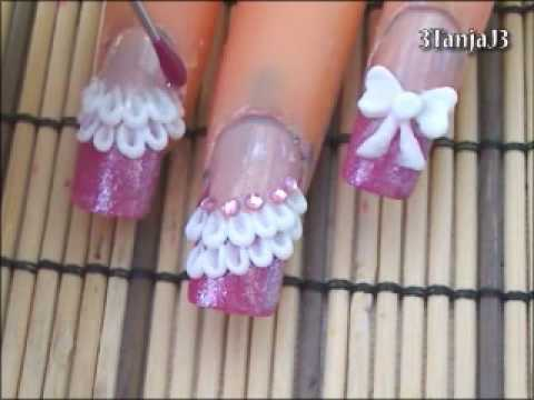 Small Bow In White Color And Bow 3D Nail Art