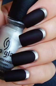 Stunning Black Nail Art With Inner Silver Core
