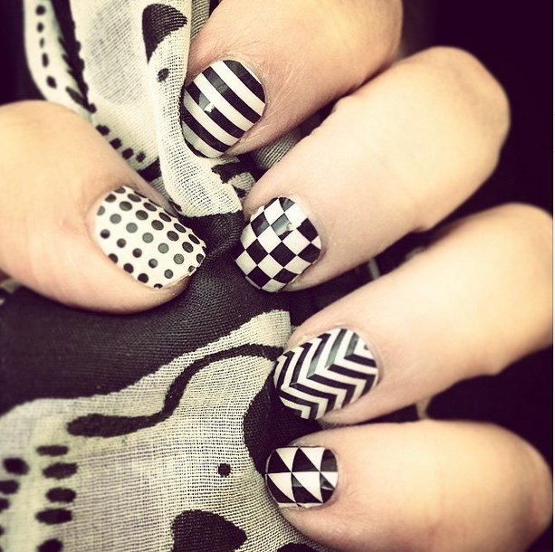 Tremendous White And Black Nail Art Design With Chess Design