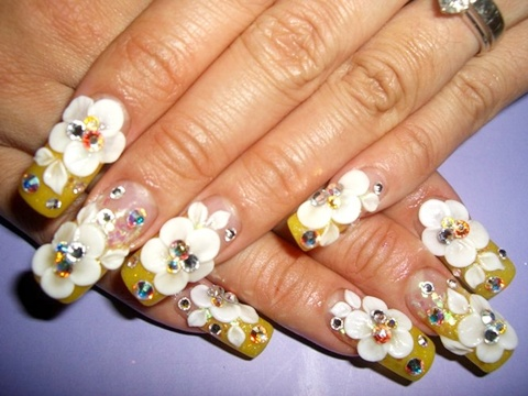 Tremendous White Flower 3D Acrylic Nail Art