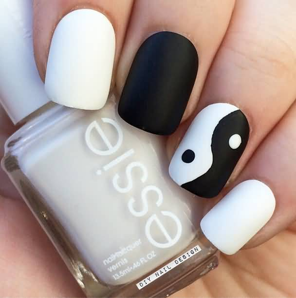 Yin Yan Nail Paint Accent Nail Design