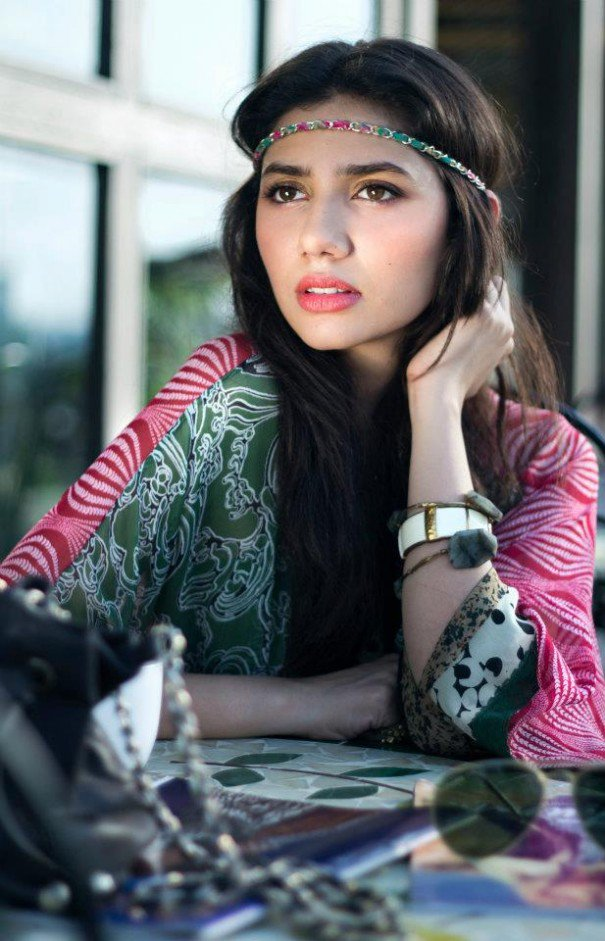 attractive photo of mahira khan
