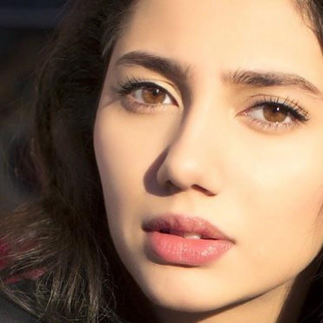 raees film actress mahira khan photo