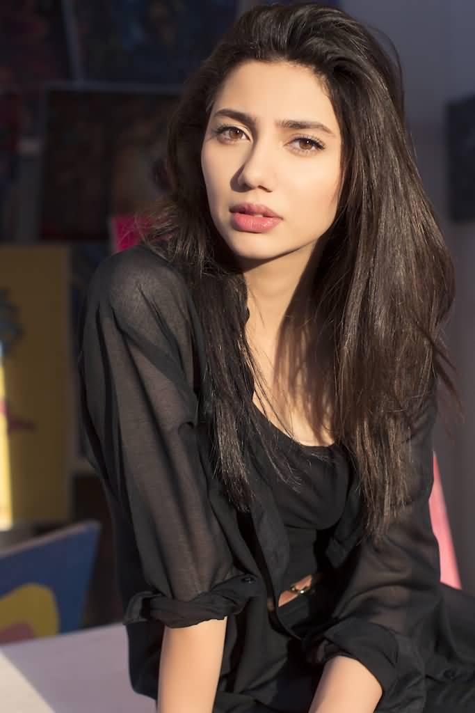 sweet mahira khan in black suit