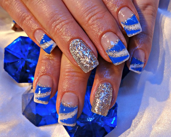 Beautiful Blue And Silver Nails