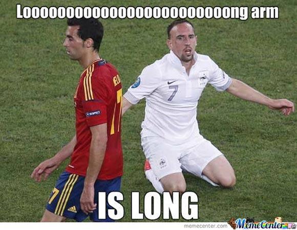 Looooooooooooooooong arm is long Football Memes