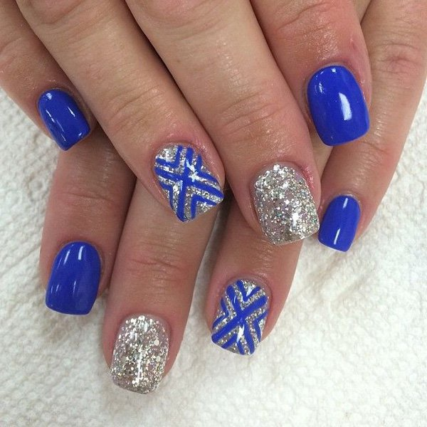 Phenomenal Blue And Silver Nails With Lining