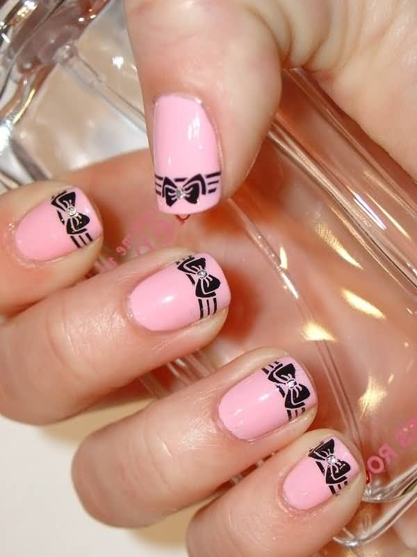 Sparkling Bow Nails