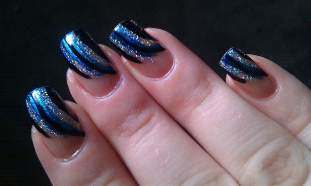 Stylish Blue And Silver Nails