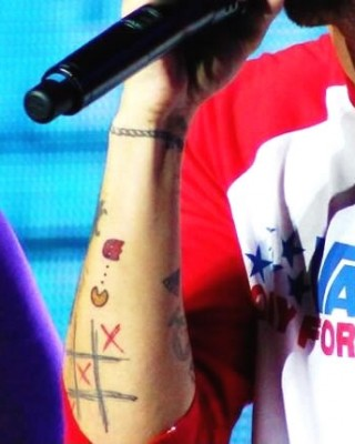 lovely louis tomlinson tattoos with red color