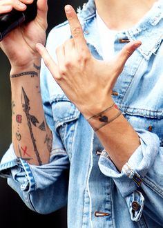 sweet louis tomlinson tattoos heart