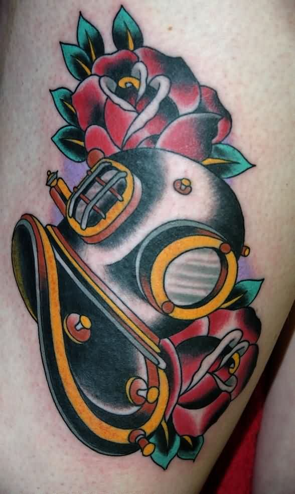 Horrible Diving Helmet Tattoo On Thigh